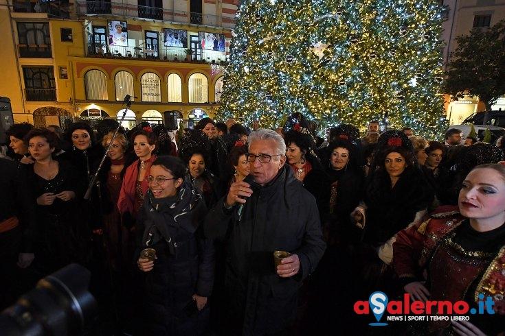"""""""Sicurezza, serenità e rispetto: è stato il Natale dei salernitani"""" - aSalerno.it"""