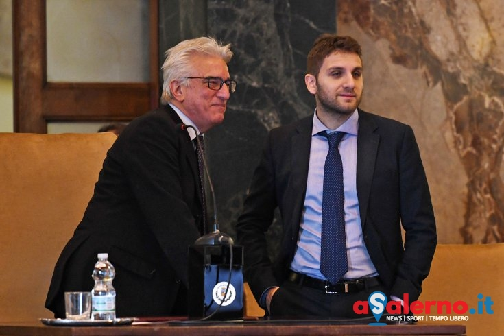 """Sindaco Napoli: """"Dimissioni di Roberto gesto encomiabile, piena fiducia in lui e Magistratura"""" - aSalerno.it"""