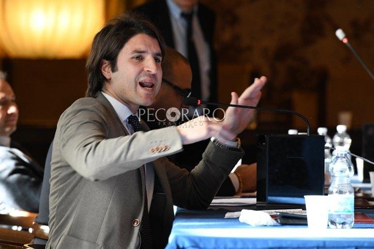 """Roberto De Luca indagato, Santoro: """"Faccia un passo indietro, dimissioni subito!"""" - aSalerno.it"""