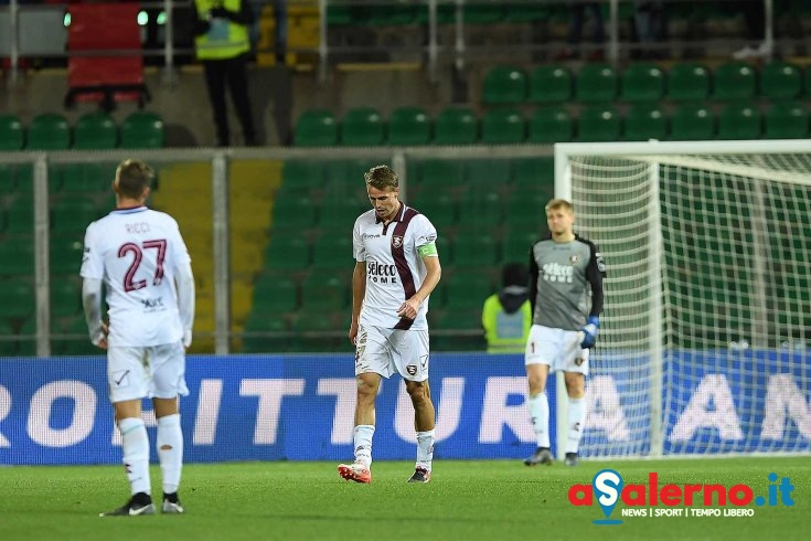 """""""Triplo botto"""" Palermo, Salernitana in bianco: 3 a 0 al """"Barbera"""" - aSalerno.it"""