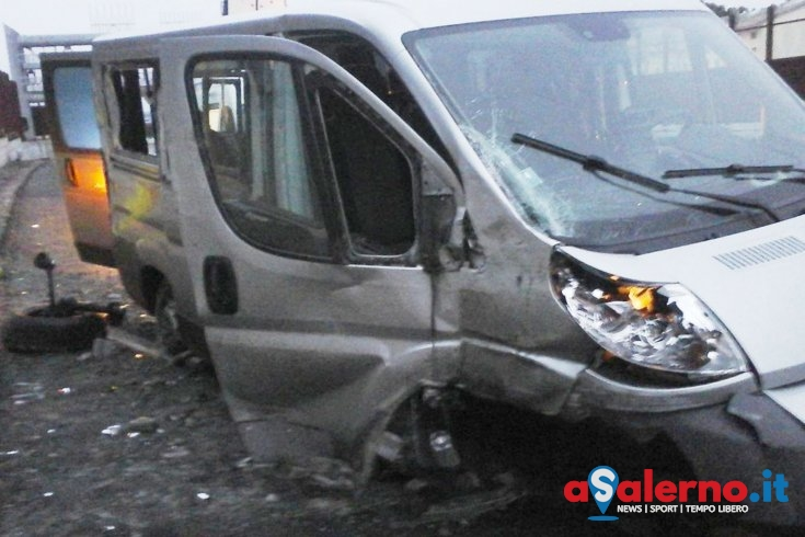 Incidente per il bus della Nuova Guardia in viaggio verso Brescia - aSalerno.it