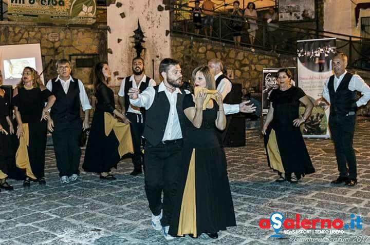 I ritmi energici e le danze della nostra terra a Villa Carrara - aSalerno.it