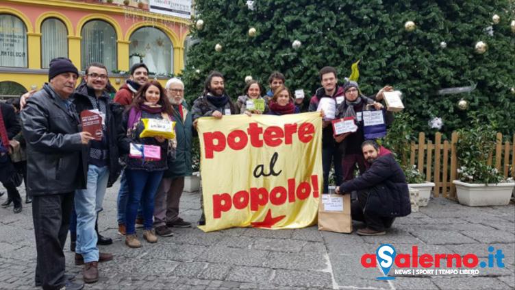 Presidio di Potere al Popolo contro i festivi lavorativi – FOTO - aSalerno.it
