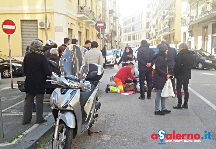 Incidente all'incrocio di via Paolo De Granita e via De Martino - aSalerno.it