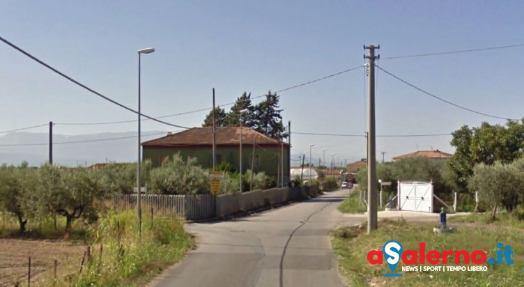 Perde il controllo dell'auto e si schianta contro un muro: incidente a Serracapilli - aSalerno.it
