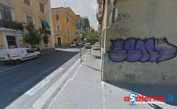 Gli agenti lo scoprono mentre ruba pneumatici vicino al mercato: in manette Gennaro Testa - aSalerno.it