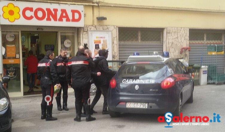 Ruba in un supermercato sul Carmine, giovane bloccato dai Carabineri – FOTO - aSalerno.it