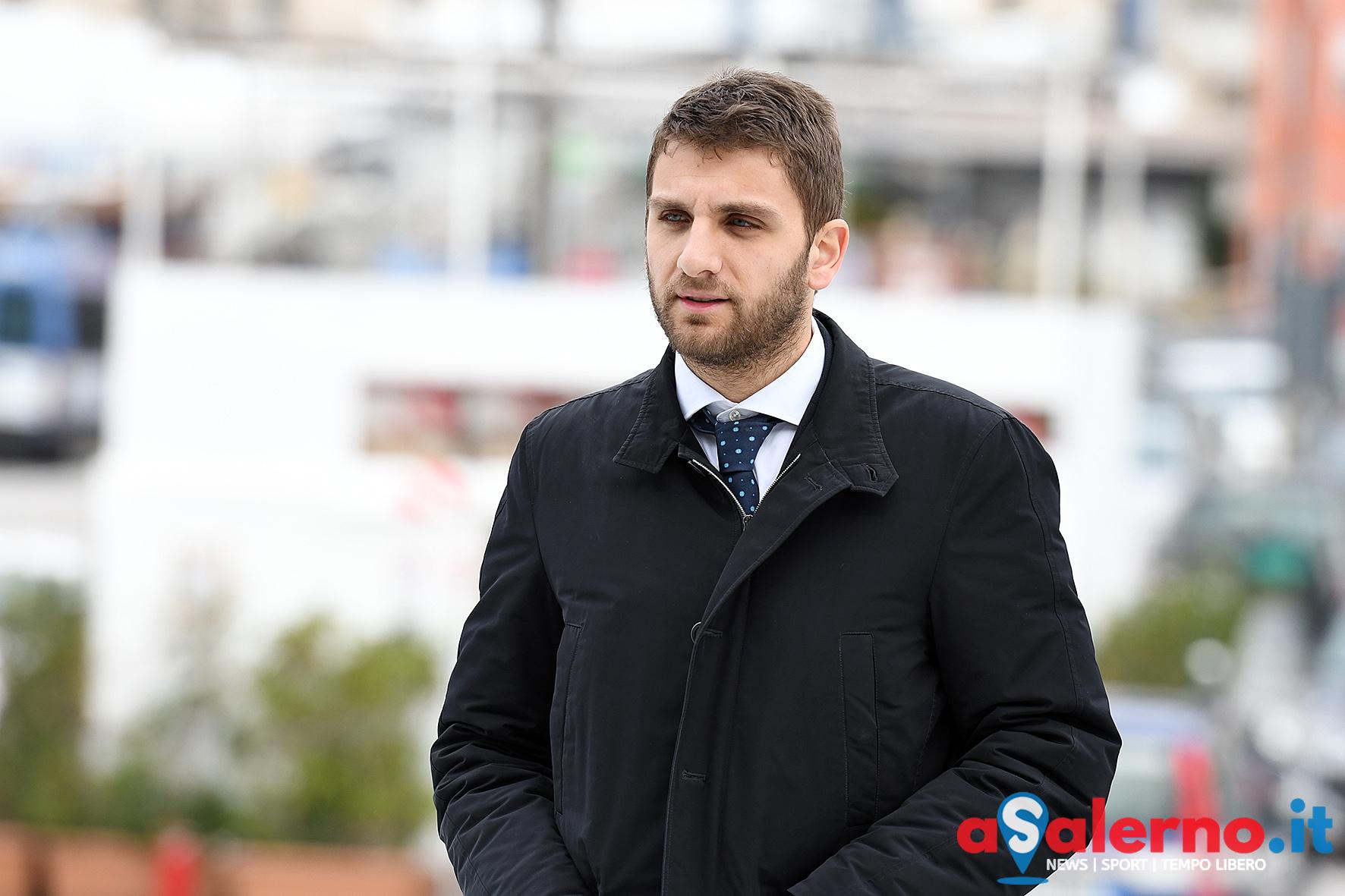 Inchiesta rifiuti, valigetta con 25mila euro a Oliviero: il video di Fanpage finisce in Procura