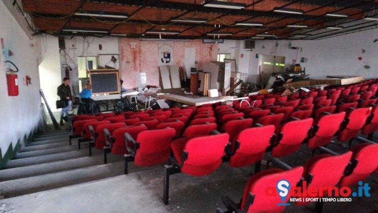 Auditorium abbandonato nell'istituto Galilei, la denuncia dei Giovani Comunisti - aSalerno.it