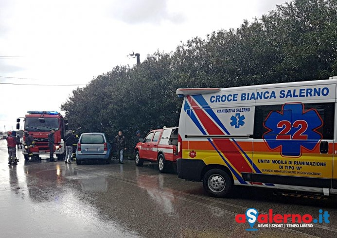 Tragedia all'altezza del cementificio, 60enne stroncato da un malore mentre guida l'auto - aSalerno.it