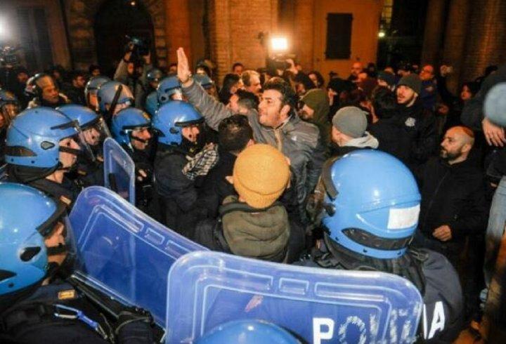 Scontri nelle manifestazioni a Macerata, presenti anche esponenti salernitani di Forza Nuova - aSalerno.it