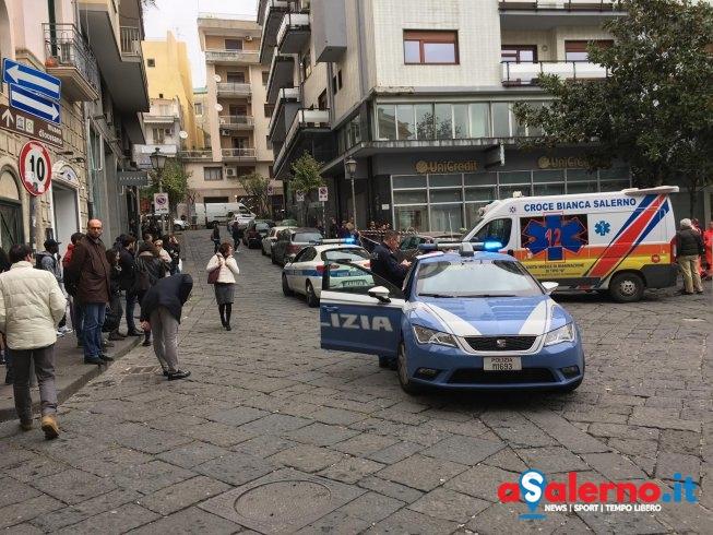 Tragedia in piazza Portanova: uomo si toglie la vita lanciandosi dal balcone - aSalerno.it