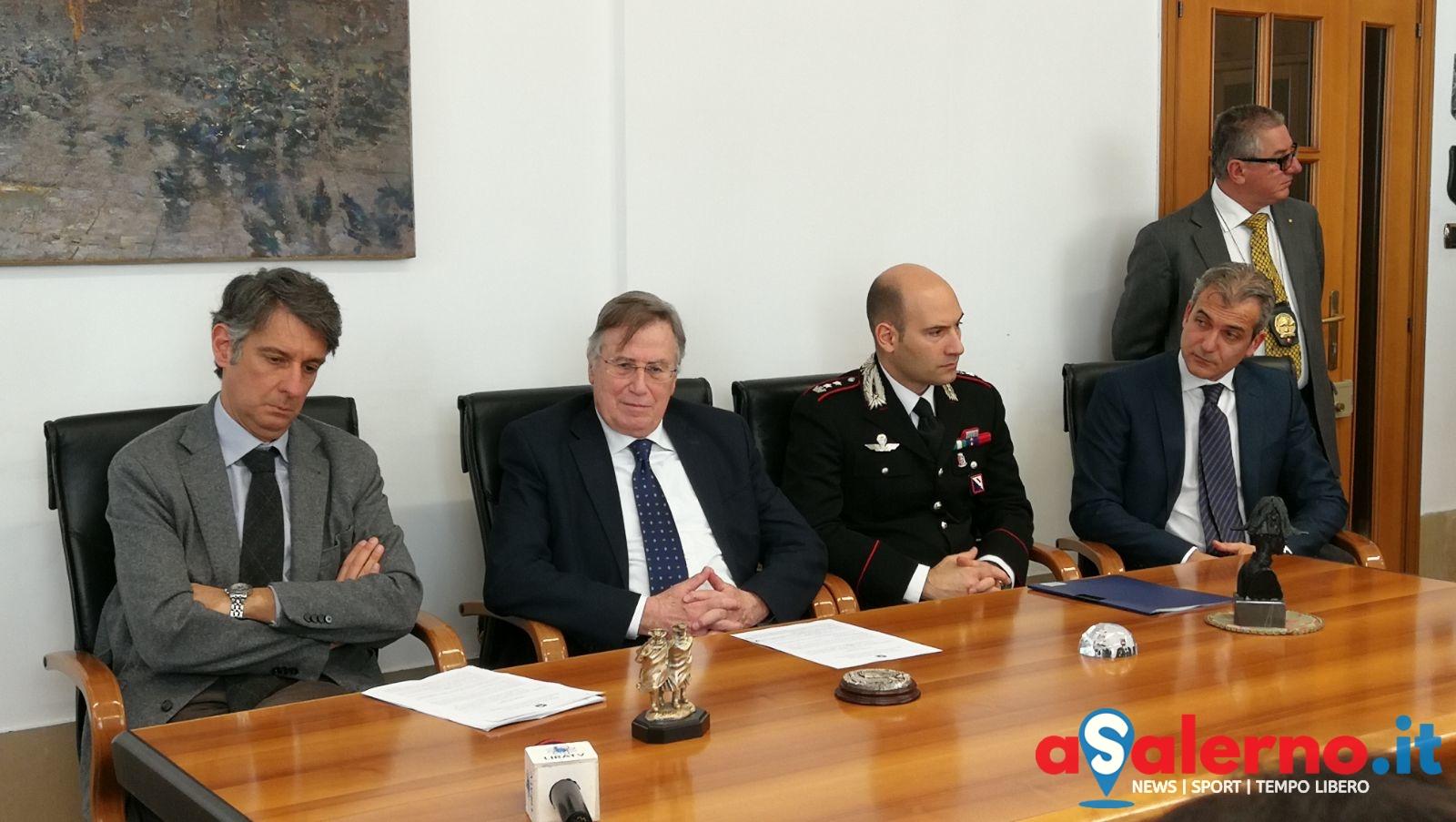 Gli affari nell\'usura: 5 arresti, mandato di cattura europeo per ...