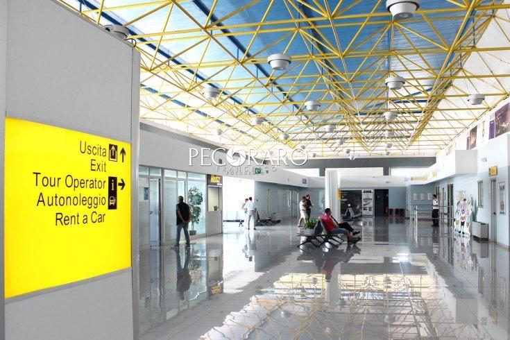 """""""Porto ed aeroporto: una riflessione oltre le polemiche"""" - aSalerno.it"""