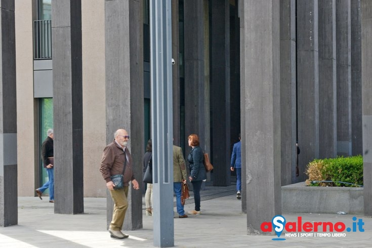 Vetrate e non finestre, areazione non funziona: caos e polemiche alla Cittadella Giudiziaria - aSalerno.it