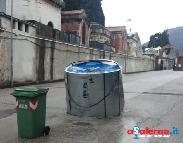 Camion perde bobina d'acciaio: paura a Brignano – FOTO - aSalerno.it