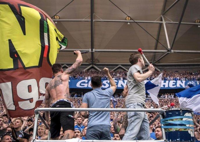 Presenza fortunata dei granata a Gelsenkirchen: lo Schalke vince il derby contro il Borussia - aSalerno.it
