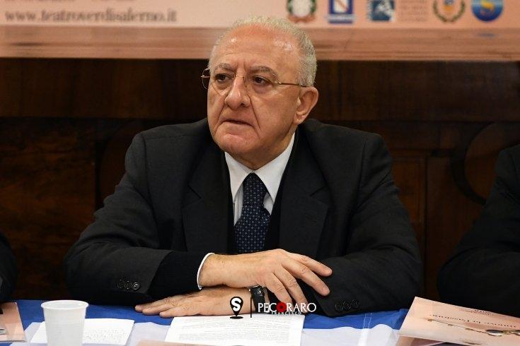 """De Luca: """"Comportatevi come se ci fosse il lockdown, come se avessero chiuso tutto"""" - aSalerno.it"""