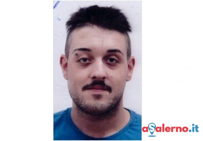 Carabinieri in casa, lui tenta di disfarsi di 2 panetti di hashish lanciandoli dal balcone - aSalerno.it