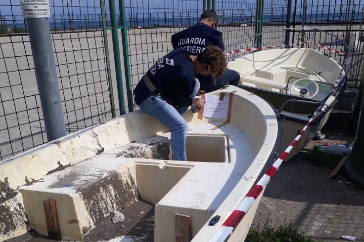 Marina di Vietri, sequestrate barche lasciate abusivamente sulla spiaggia - aSalerno.it