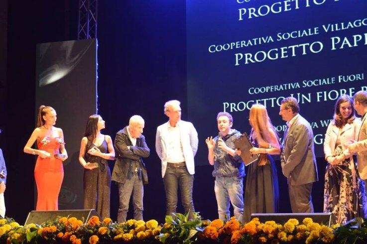Paperboy premiato al Gran Galà Vesuvio d'Oro - aSalerno.it