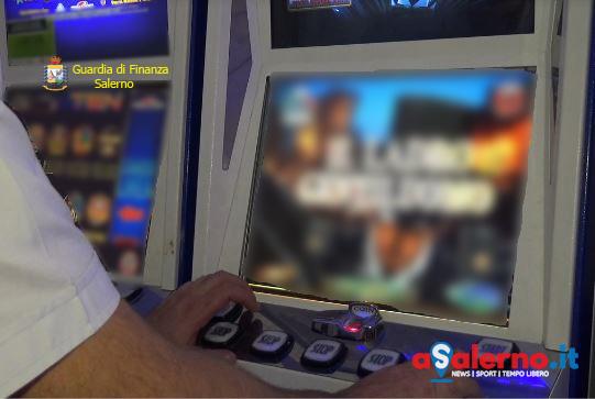 Sequestrate 7 slot machine ad Eboli - aSalerno.it