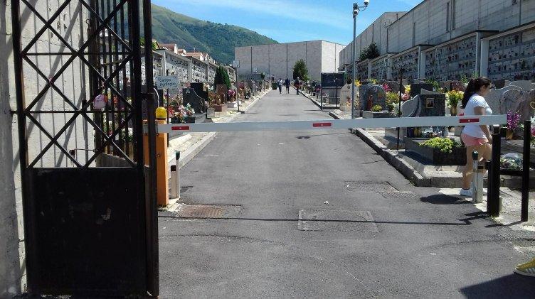 """Il cimitero di Salerno e """"l'autonomia dei disabili che va a farsi fottere"""" - aSalerno.it"""