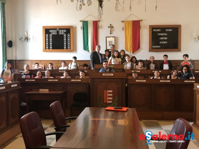 Cava de' Tirreni: Giovani studenti in visita a Palazzo di Città - aSalerno.it