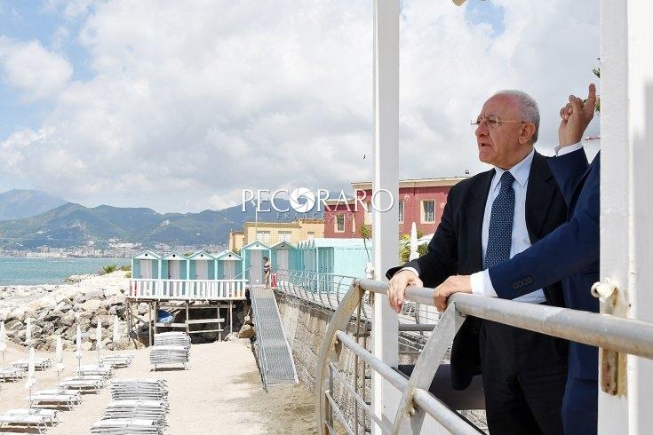 """Plastic free, De Luca: """"Niente più plastica negli stabilimenti balneari"""" - aSalerno.it"""