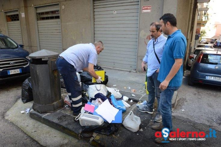 Rifiuti abbandonati sul Carmine: indagini sul posto – LE FOTO - aSalerno.it