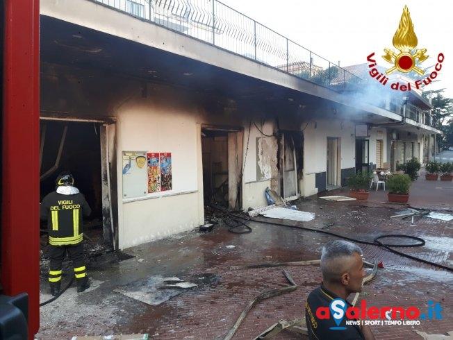 """Incendio distrugge il """"Non Solo Latte"""" a Cava de' Tirreni – LE FOTO - aSalerno.it"""