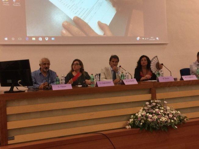 Da Salerno l'appello dei malati di fibromialgia al Ministro Grillo - aSalerno.it