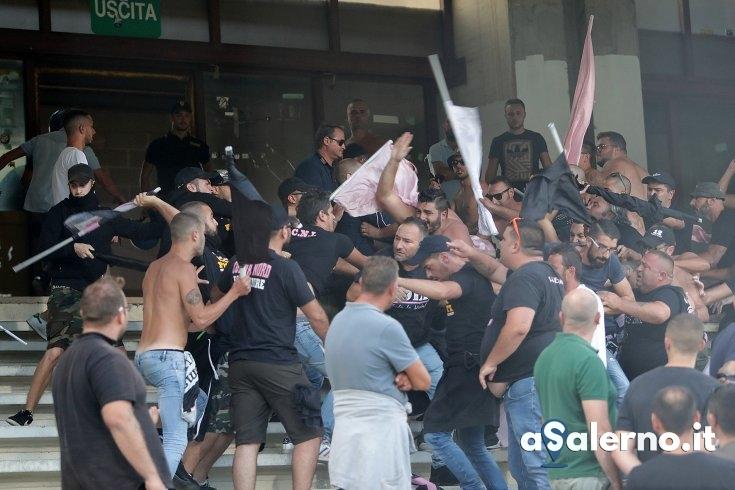 Scontro in Curva Nord all'Arechi: scattata la denuncia per 12 tifosi palermitani - aSalerno.it