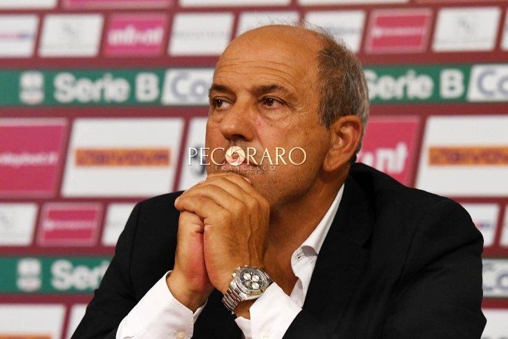 """Fabiani: """"Se il mercato offre giocatori che possono migliorare la squadra, abbiamo l'obbligo di operare"""" - aSalerno.it"""