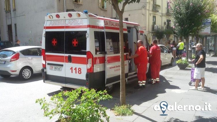 Scontro tra auto e moto in via Carmine, un ferito – FOTO - aSalerno.it