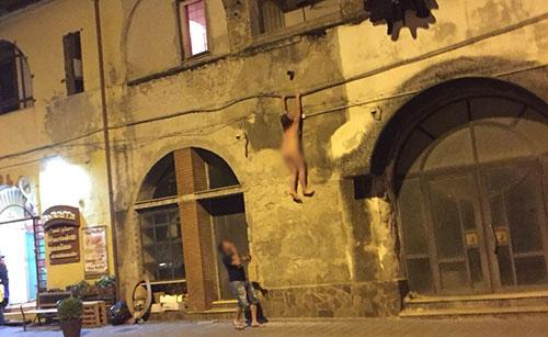 Lite tra fidanzati a Salerno: denunciato marocchino per aver percosso la ragazza georgiana - aSalerno.it
