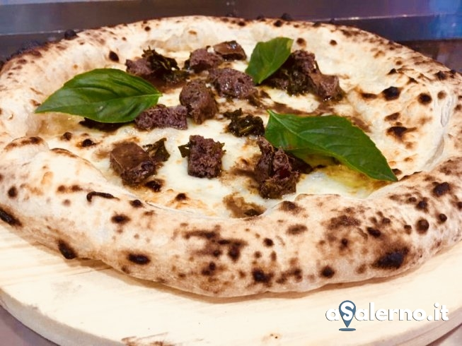 """Tradizione e passione: da Betra la pizza San Matteo con la """"meveza"""" - aSalerno.it"""