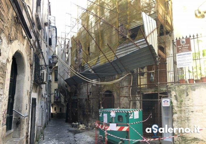 """Struttura abbandonata nel centro storico, la paura dei residenti: """"Aspettiamo la tragedia?"""" - aSalerno.it"""