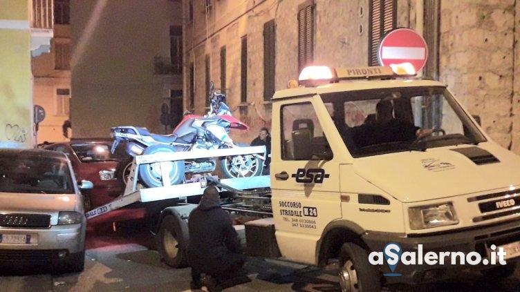 Dramma a Salerno, 20enne sbalza dalla moto e muore – FOTO - aSalerno.it