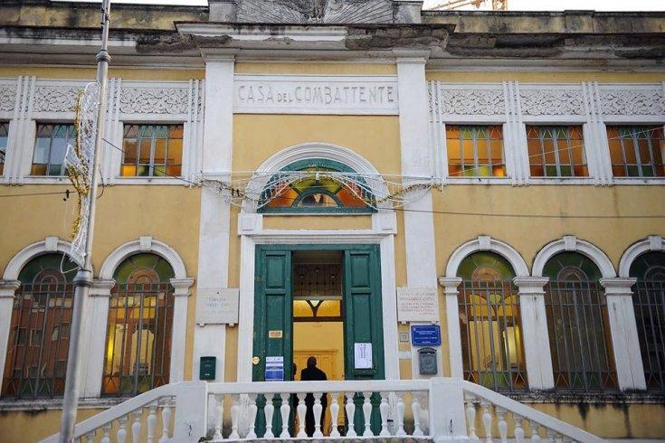 "Riapre la ""Casa del Combattente"" - aSalerno.it"