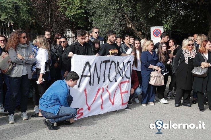 Ladri rubano documenti e foto di Antonio De Sarlo Junior - aSalerno.it