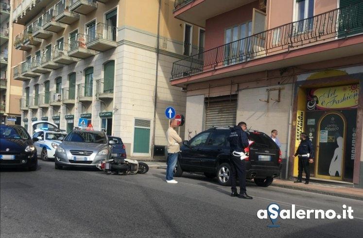 Lungomare Marconi, scontro tra auto e moto – FOTO - aSalerno.it