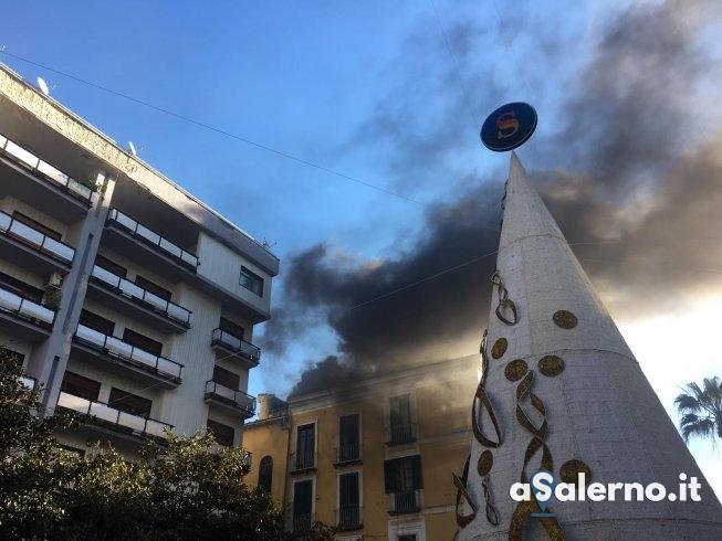 Nube nera su piazza Portanova - aSalerno.it