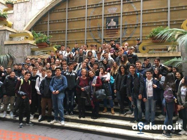Storia salernitana, tour della città per gli studenti del Focaccia e Da Procida - aSalerno.it