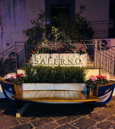 """Nel cuore dei Mercanti una """"panchina"""" speciale - aSalerno.it"""