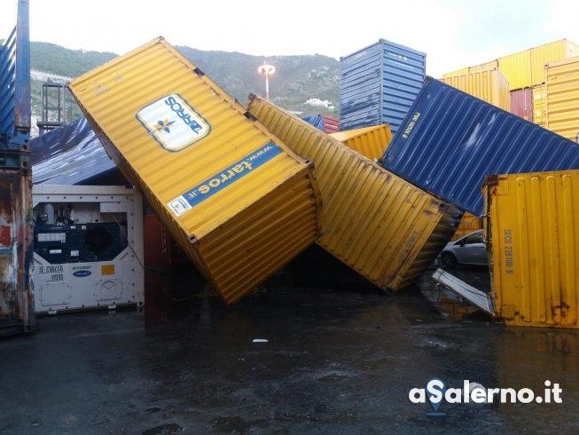 Tromba marina al porto di Salerno: cadono container, ci sono feriti - aSalerno.it