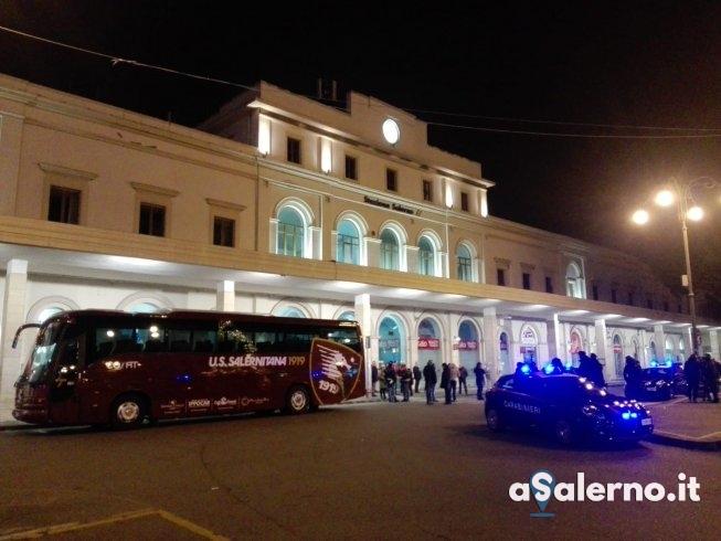 Salernitana arrivata da Carpi alla stazione ma tifosi cercavano confronto con Fabiani - aSalerno.it