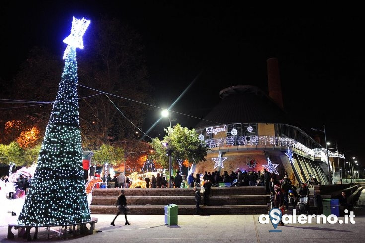 """Ha preso """"vita"""" il Santa Claus Village di Salerno - aSalerno.it"""