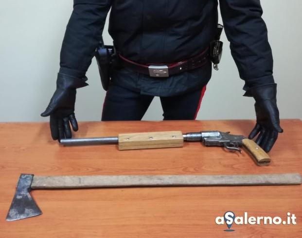 In auto con una pistola e un'ascia: ai domiciliari 25enne - aSalerno.it