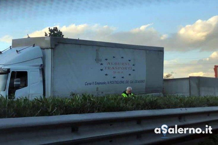 Scontro tra tir all'uscita di Baronissi: traffico in tilt e coda lunga chilometri - aSalerno.it